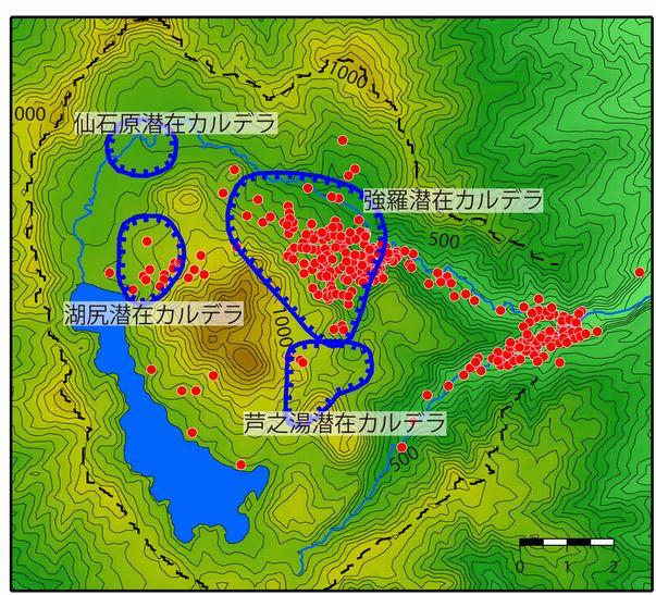温泉の分布と潜在カルデラ構造。●は源泉を表す。潜在カルデラ構造は4つあると考えられており、基盤岩から湧出する温泉以外は、主に潜在カルデラ構造内に分布する。