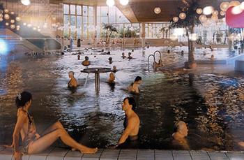 ビスバーデン(ドイツ)の温泉プール(温泉地学研究所展示コーナーより)
