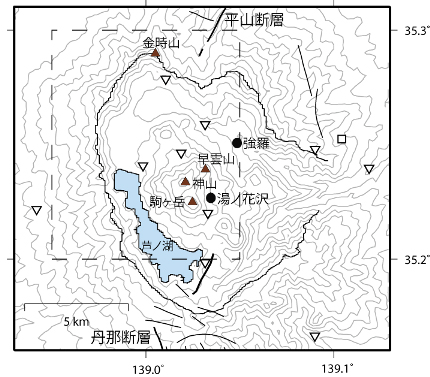 箱根カルデラ内の地震観測点分布図。